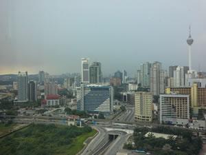 pagi hari, dari sisi lain jendela hotel furama